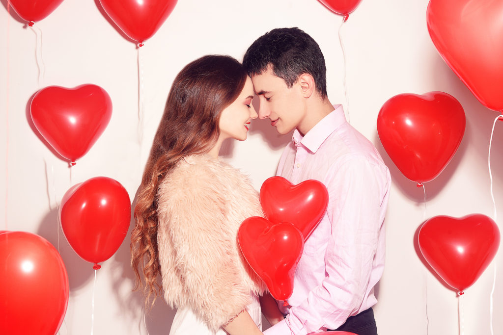 What Age Should I Get My First Kiss By? - Teen Tell All